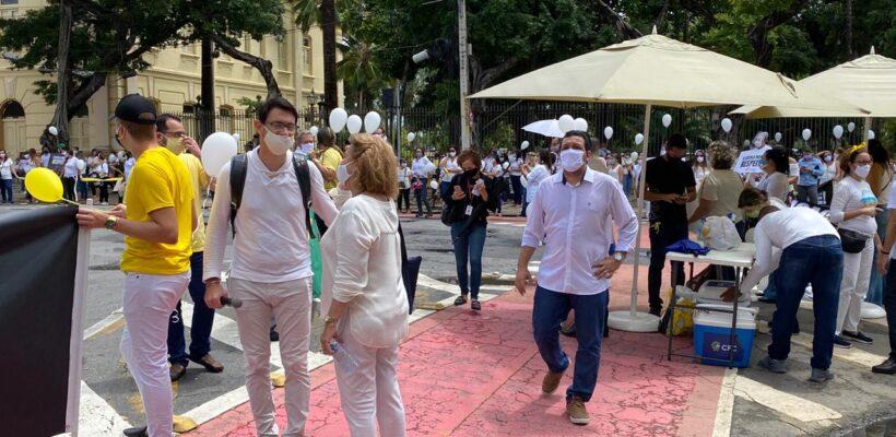 SINEPE-PE promove mobilização em frente ao Palácio do Campo das Princesas